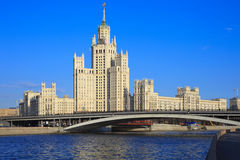 Edifício do estilo do império de Stalin fotos de stock royalty free