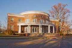 Edifício em um terreno da faculdade em Indiana fotografia de stock