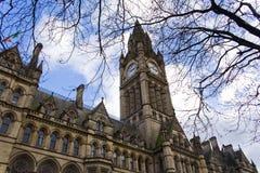 Edifício gótico da cidade do estilo com torre Imagens de Stock Royalty Free