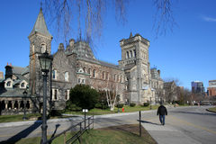 Edifício gótico da faculdade do estilo Fotografia de Stock Royalty Free