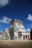 Edifício maia antigo perto dos vagabundos Fotos de Stock