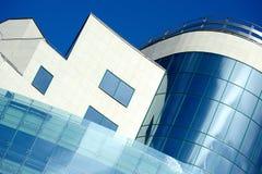 Edifício moderno sob a construção fotos de stock