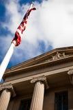 Edifício nacional da alameda de Estados Unidos com bandeira Foto de Stock