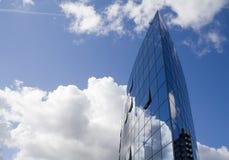 Edifício no céu Fotografia de Stock