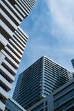 Edifício no céu azul Imagens de Stock