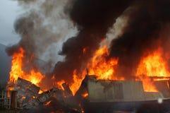Edifício no incêndio Imagens de Stock