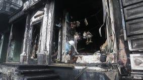 Edifício queimado video estoque