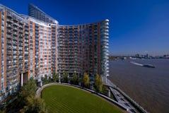 Edifício residencial moderno Fotografia de Stock Royalty Free
