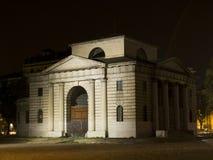 Edifício velho na noite Fotos de Stock Royalty Free