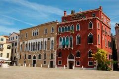 Edifícios antigos em Veneza fotografia de stock