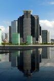 Edifícios comerciais & reflexões Imagens de Stock