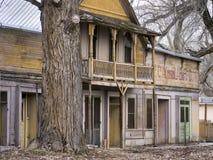 Edifícios comerciais velhos pitorescos foto de stock