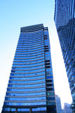 Edifícios corporativos na perspectiva Fotos de Stock Royalty Free