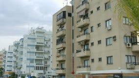 Edifícios de apartamento abandonados Cidade falido na depressão Crise financeira filme