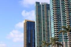 Edifícios de apartamento elevados da ascensão Fotos de Stock