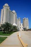 Edifícios de apartamento em Qatar imagem de stock royalty free