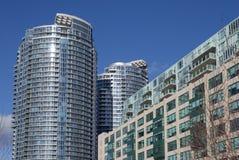 Edifícios de apartamento modernos Foto de Stock Royalty Free