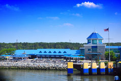 Edifícios do beira-rio Fotos de Stock Royalty Free
