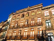 Edifícios do Tenement em Porto, Portugal Imagem de Stock