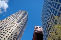 Edifícios em um negócio Distri Imagens de Stock Royalty Free