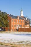 Edifícios em um vertical do campus universitário imagem de stock royalty free