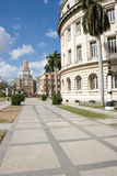 Edifícios no centro de Havana Imagens de Stock Royalty Free