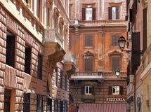 Edifícios urbanos do centro de Roma fotos de stock royalty free
