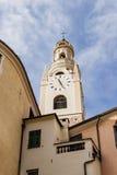 Edifces de Caratheristic avec la tour de cloche Photo stock
