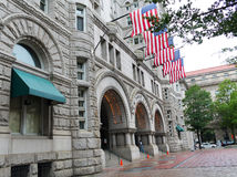 Edifício da estação de correios Foto de Stock Royalty Free