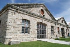 Edifício velho da porta naval Imagens de Stock Royalty Free