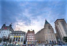 Edifici di Bund dell'hotel di pace che anche Shanghai Cina fotografie stock