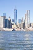Edifici di Manhattan da Brooklin Immagine Stock