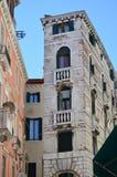 Edifici di Tipical a Venezia, Italia immagine stock