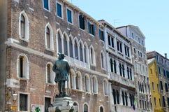 Edifici di Tipical a Venezia, Italia immagine stock libera da diritti