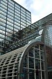 Edifici per uffici geometrici immagine stock