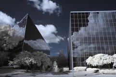 Edifici per uffici infrarossi immagine stock