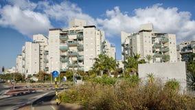 edifici residenziali moderni di 8 piani Fotografia Stock Libera da Diritti