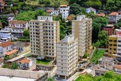 Edifici residenziali nel distretto di Santa Teresa, Rio de Janeiro, Brasile Fotografie Stock
