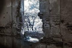 Edificio abandonado arruinado viejo Fotografía de archivo libre de regalías