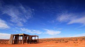 Edificio abandonado en el desierto Foto de archivo