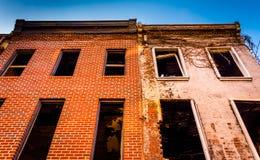 Edificio abandonado en la alameda vieja de la ciudad, en Baltimore, Maryland Fotografía de archivo