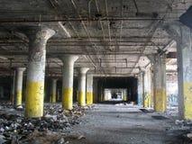 Edificio abandonado - horizontal Imagenes de archivo