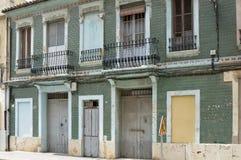 Edificio abandonado viejo en Valencia, España Foto de archivo