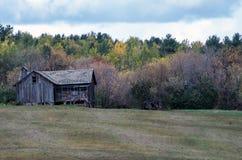 Edificio agrícola viejo en ruinas Fotos de archivo