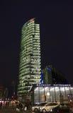 Edificio alla notte, Berlino di Deutsche Bahn Fotografie Stock