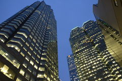 Edificio alto en ciudad fotos de archivo libres de regalías