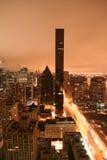 Edificio alto en el amanecer Foto de archivo libre de regalías