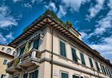 Edificio antiguo típico en Pisa foto de archivo
