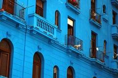 Edificio azul Imágenes de archivo libres de regalías