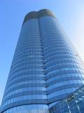 Edificio azul grande del asunto